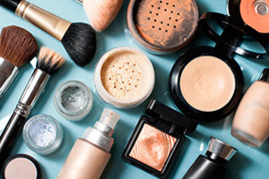 Cosmetic Therapy: The Link between Makeup and a Down Economy